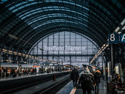 train-station-970763 (1)